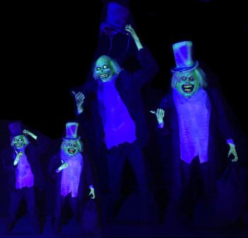 HitchHiking Ghosts - HG1313